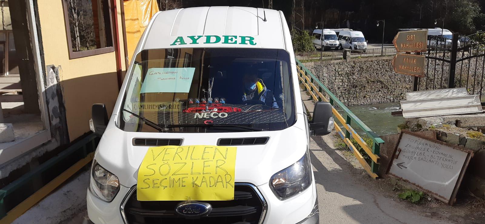 Ayder'de Minibüsçüler Kontak Kapattı Korsan Taşımacılığı Protesto Etti