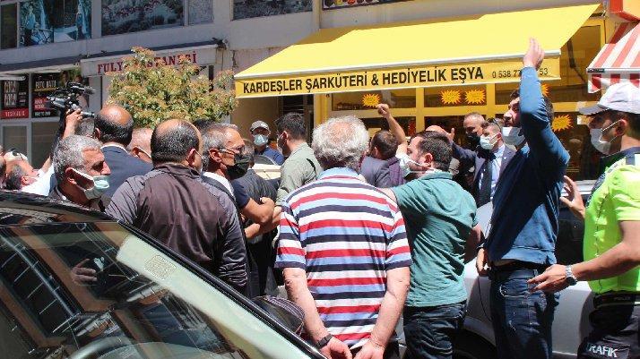 """İYİ Parti Genel Başkanı Meral Akşener ' e bugün yapılan saldırılar Rize"""" ye ve Rizelilere yapılan en büyük haksızlık ve saygısızlıktır"""