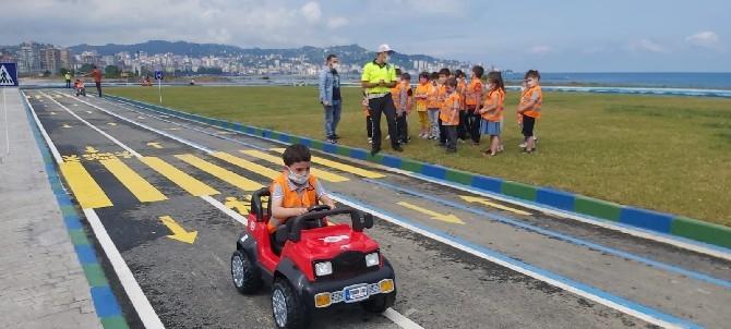 Rize Çocuk Trafik Eğitim Parkında Eğitimler Başladı