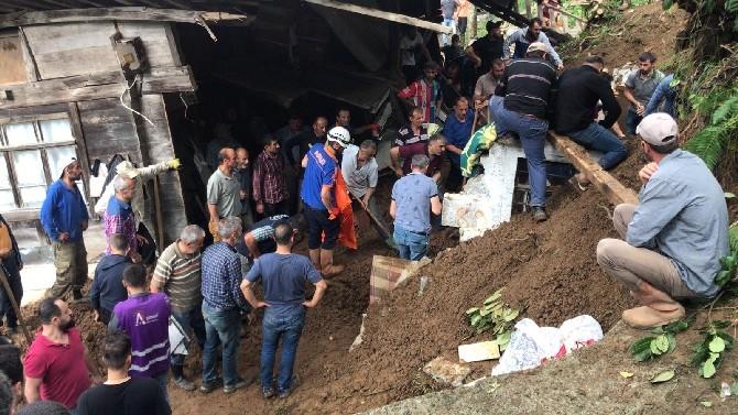 Rize'de Seldeki Ölü Sayısı 7'ye Yükseldi, Kayıp 1 Kişi İse Aranıyor