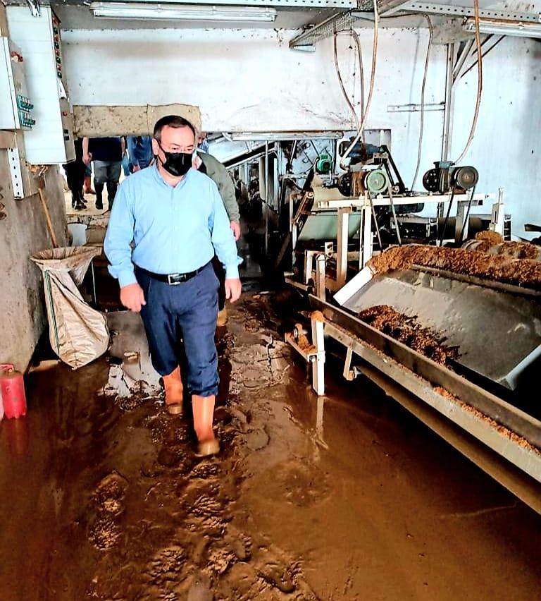 Çaykur'un selden etkilenen 2 fabrikasında yoğun çalışma başlatıldı